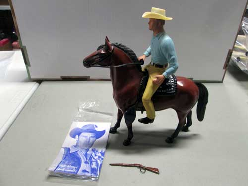 image of a 100 piece Hartland figure collection 14