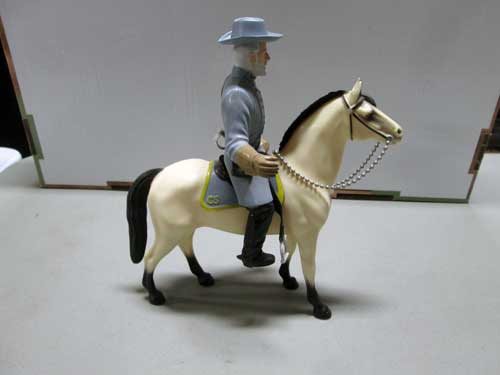 image of a 100 piece Hartland figure collection 9
