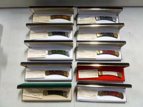 image of a Harley Davidson Buck Knife collection