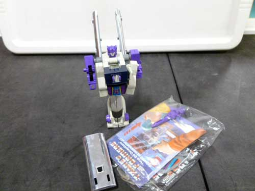 image of transformers G1 collectible 16
