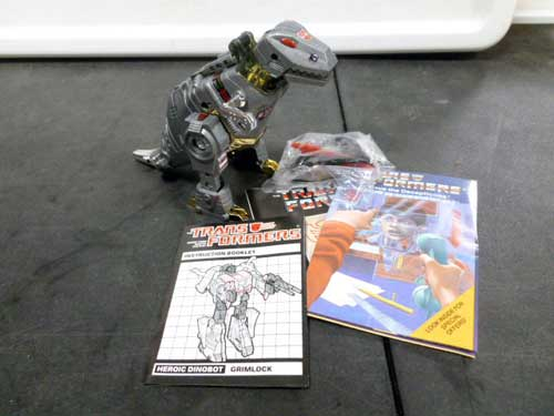 image of transformers G1 collectible 19